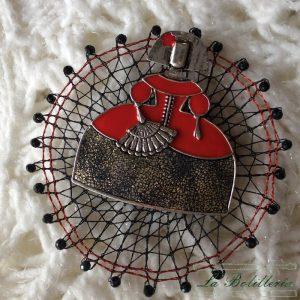 Broche Menina Rojo - Encajes Artesanos - El Arte al alcance de tus manos