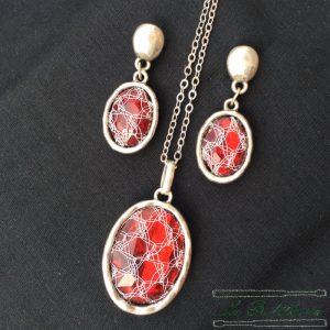 Conjunto Collar y Pendientes en Rojo - Encajes Artesanos - El Arte al alcance de tus manos