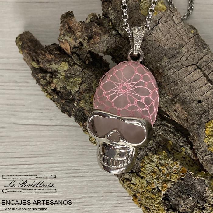 Collar Calavera Rosa -  Encajes Artesanos - El Arte al alcance de tus manos