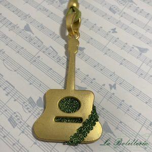 Collar Guitarra Verdosa - Encajes Artesanos - El Arte al alcance de tus mano